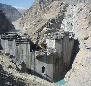 Staumauer im Iran